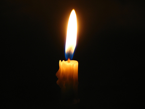 http://matthewsalomon.files.wordpress.com/2007/10/candle-light-i-will-give-the-light-in-the-dark-djokomuljanto.jpg